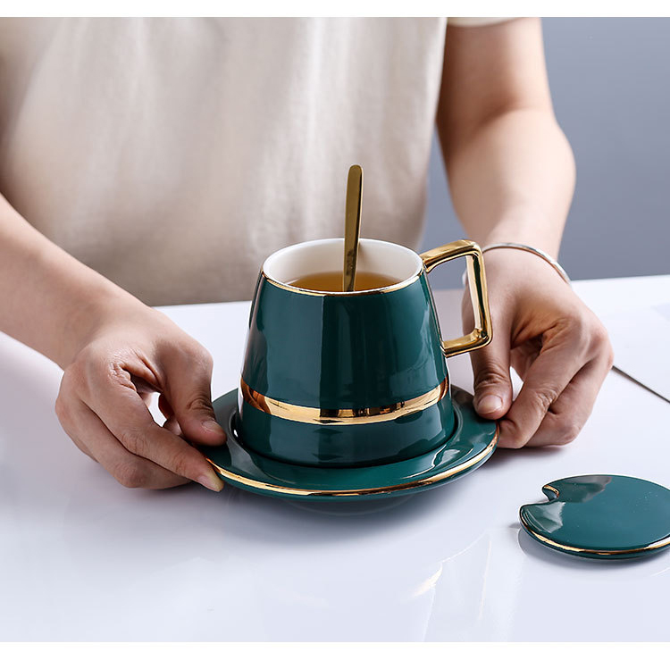 gold-cup-and-saucer_07