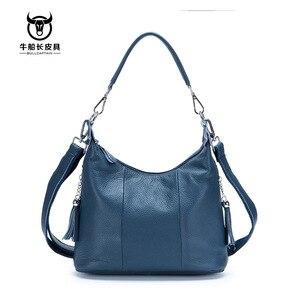 Image 1 - Bullcaptain 2020 nova bolsa feminina bolsas de couro genuíno das mulheres bolsa de ombro 8 polegada sacos do mensageiro para as mulheres casuais borla
