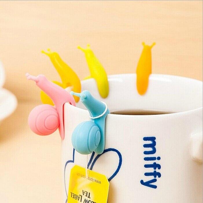 5 teile/satz Niedliche Schnecke Form Tee Tasche Clip Tasse Becher Teekugeln Sieb Clips Partei Dekor Zufällige Farbe Silikon Tee tasche Halter