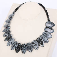 Natural Stone Alabaster Women Leaf Necklace Choker Flower Charm Jewelry Chain Anchor Necklace Jewelry Crystal Statement
