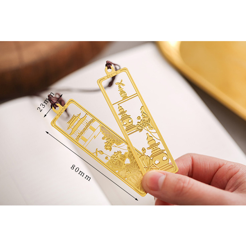 30pcs pack Gold High Quality Creative Retro Chinese Style Stainless Steel Gold plated Openwork Metal Bookmarks Six Selection