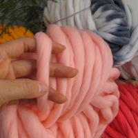 250g 36M Super Thickness Natural Merino Wool Chunky Yarn Felt Wool Roving Yarn For Spinning Hand