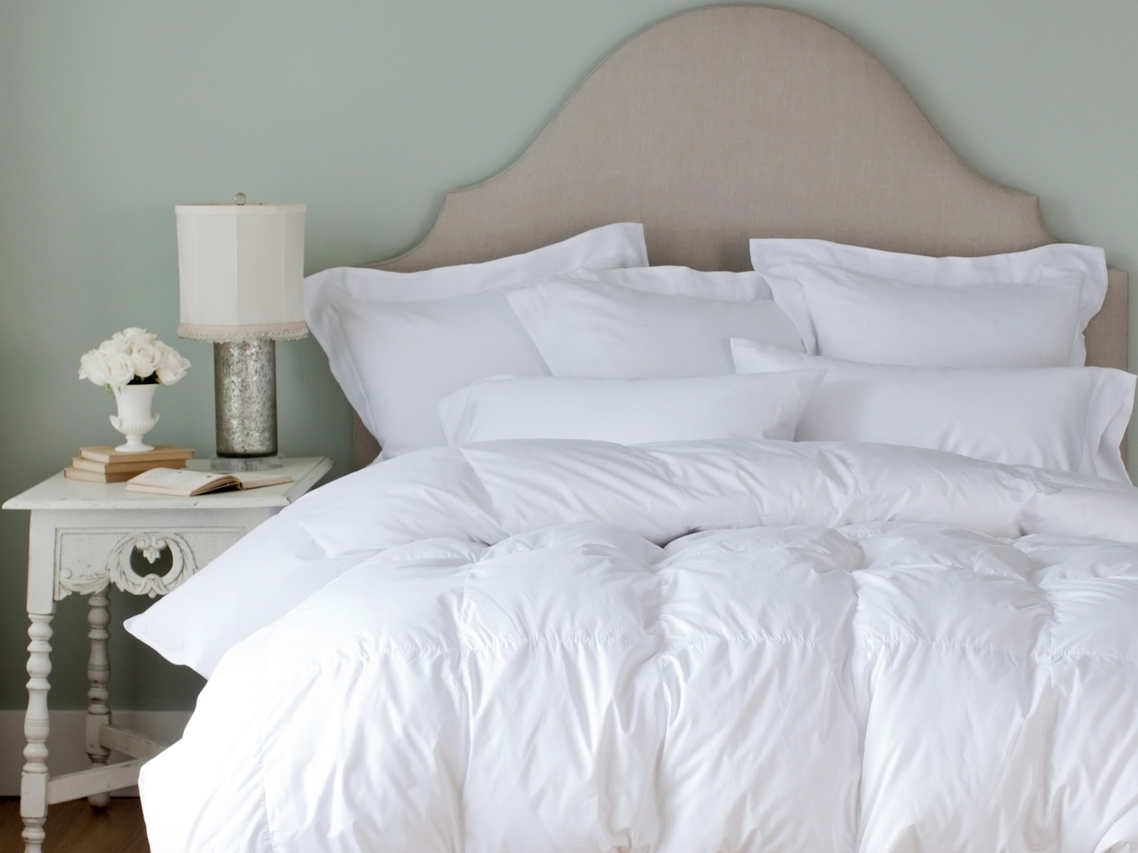 royal down hungarian p goodglance baffled white goose comforter legends