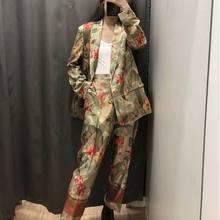 20ed3bcfc2a9ec Spodnie damskie garnitury wiosna 2019 nowych moda kwiatowy drukuje odzież  nowoczesne Lady Casual Blaze i połowy