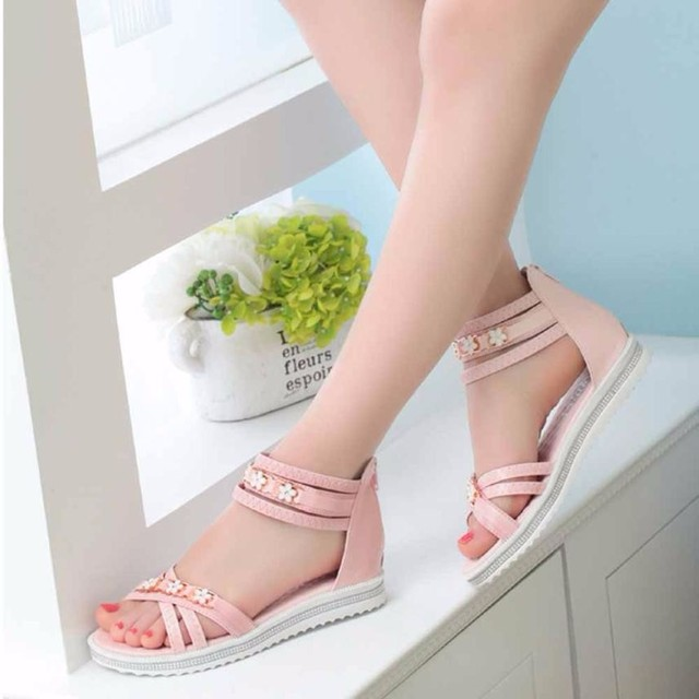 f2c8ca6a4bc 2018 New Women s Fashion Sandals Flat Shoes Summer Soft Leather Leisure Lady  Sandals Peep-Toe Roman Outdoor Female Sandals