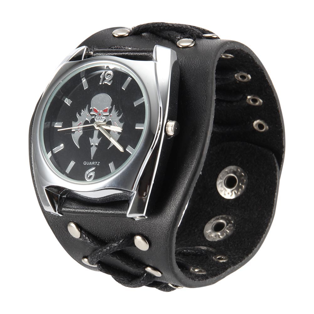 Women Men Punk Style Quartz Wrist Watch With Skull Pattern Dial Rivet Strap Cool Watches LXH