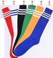Barato 3 listras de alta qualidade por atacado de moda meias de futebol de futebol para homens / mulheres