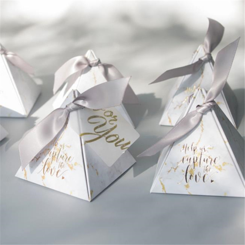 Wedding Gift For Guest: 50pcs/lot Triangular Pyramid Gift Box Wedding Favors And