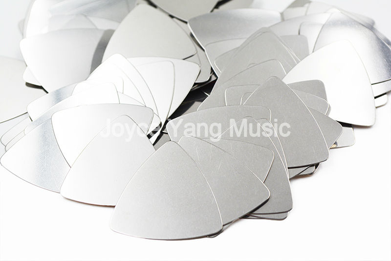 Niko 100pcs No Logo Printing Triangle Heavy 0.3mm Stainless Steel Metal Electric Guitar Bass Picks Plectrums