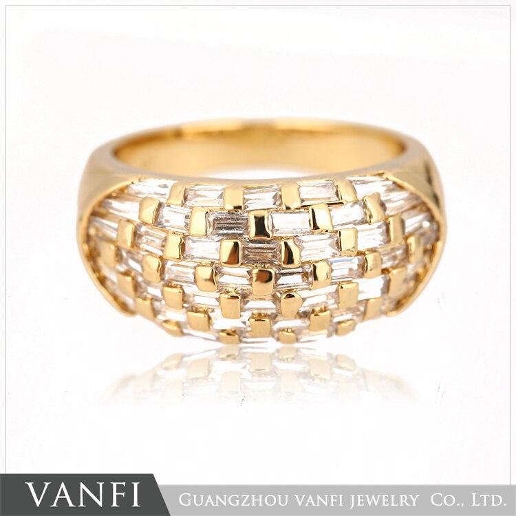 7002bbee4b4a Nuevo estilo al por mayor de la marca de moda de la joyería rhinestone  cristal anillos para las mujeres oro color boda anillos