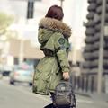 Chaqueta de invierno 2016 Mujeres Grandes Mapache Verdadero Cuello de Piel Con Capucha abajo Parka Outwear Femenino Para mujeres Calientes Chaquetas Delgadas Y abrigos
