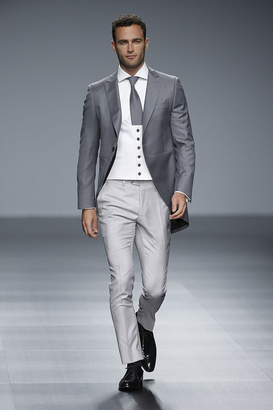 Online Shop Fashion Italian Style Gray Tailcoat Groom Tuxedos Long ...