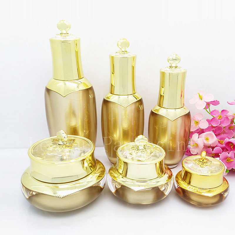 High quality empty cosmetic container , skin care lotion cream pump bottle gold crown face cream luxury acrylic pot 100 pcs cosmetic bottle screw flat cover beautiful beauty skin care bottle washing and bathing dew storage container 20ml