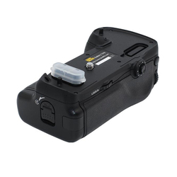Pixel Vertax D16 Battery Grip for Nikon D750 DSLR camera as MB-D16