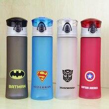 Nuevos Vengadores 450 ml Botella de Agua Portátil Para Acampar Ciclismo Espacios Jugo Drinkware Mis Deportes Botella de Agua De Plástico Respetuoso Del Medio Ambiente