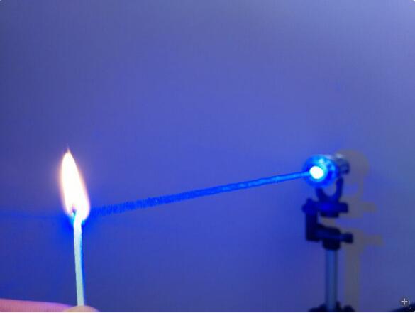 все цены на Wholesale High Power Blue Laser Pointer 450nm Burning Match/Paper/Dry Wood/candle/cigarettes онлайн