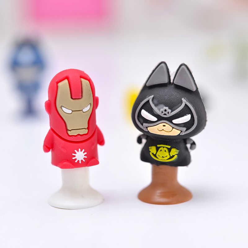 12 pçs/lote filme figuras de ação gato aranha morcego e homem de ferro mini otário copo engraçado brinquedo criativo crianças lápis topper decoração