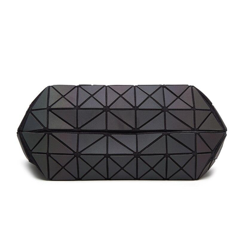 ca8ce3db48d8 Famous Brands Women Shoulder Bag Geometry Sequins Mirror Laser Plain ...