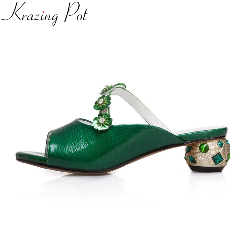 Krazing Pot 2018 large size cow leather strange style slingback mules crystal med heels women sandals flower peep toe shoes L33 цена