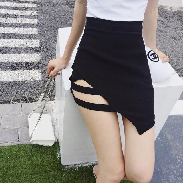 07cb204877 Mujeres de cintura alta ahueca hacia fuera la falda negra asimétrica Mini  faldas cortas de corte