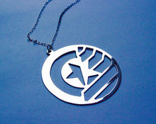 1Pcs Brand Jewellery STUCKY Captain America Soldier Inspired Symbol Pendant Necklace Perfume Women chain necklace Jewelry