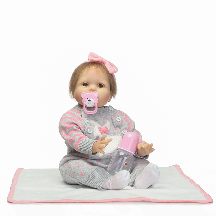 55cm New Silicone Reborn Babies Dolls Toy Like Real Girls Brinquedos Kids Fashion Lovely Birthday Gift Present Newborn Girl Baby55cm New Silicone Reborn Babies Dolls Toy Like Real Girls Brinquedos Kids Fashion Lovely Birthday Gift Present Newborn Girl Baby