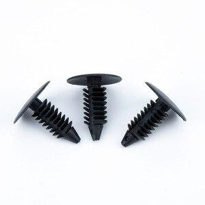 Image 2 - 50 Uds. De sujetadores automáticos para coche, Clips de nailon con agujero de 8mm, retenedor de escudo de parachoques para guardabarros, remache de plástico para Ford Chrysler