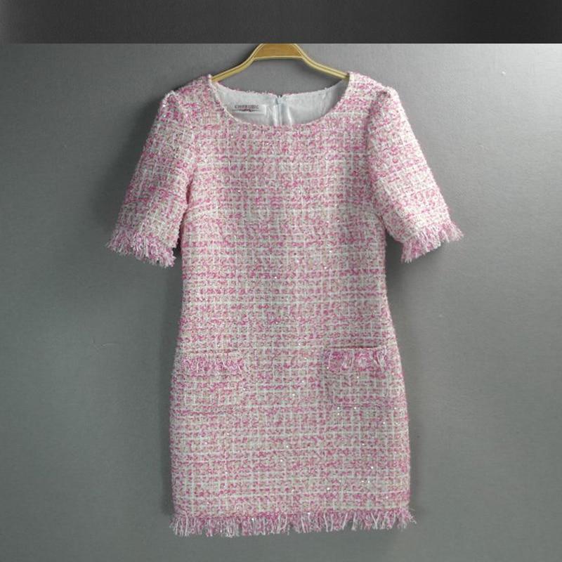 rosa tweed kleid mit pailletten 2017 fr hling herbst. Black Bedroom Furniture Sets. Home Design Ideas