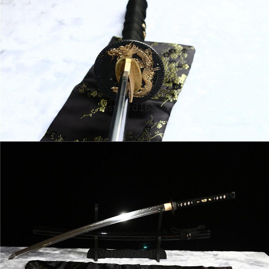 Χειροποίητο πηλό σκληρυμένο διαφορικό σκληρυμένο ιαπωνικό σπαθί katana πραγματικό hamon.