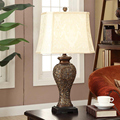 The new classical European study the living room table lamp bedroom bedside lamp shade resin carved American retro