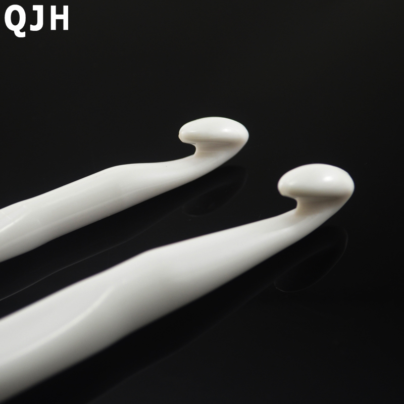 QJH Brand 1Set 2PCs 10mm 12mm Pure White Plastic Handle Crochet Hook Knitting Needles Thick Head Tools DIY Crafts Accessories in Sewing Needles from Home Garden