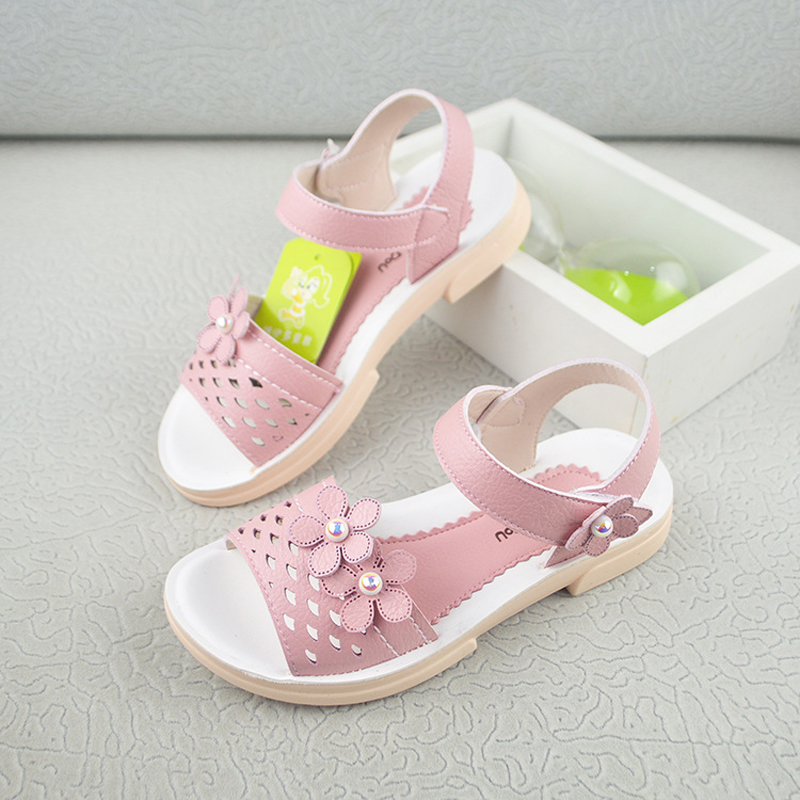 2018 New Leather Sandals For Girls Hollow Breathable Flowers Kids Sandals Student Kids Summer Sandals Girls Princess Shoes KS490