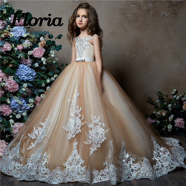 a8ea6568bca15 Arabic Champagne First Communion Dresses For Girls Pageant Gowns 2018  Vestidos daminha Flower Girl Weddings Elegant