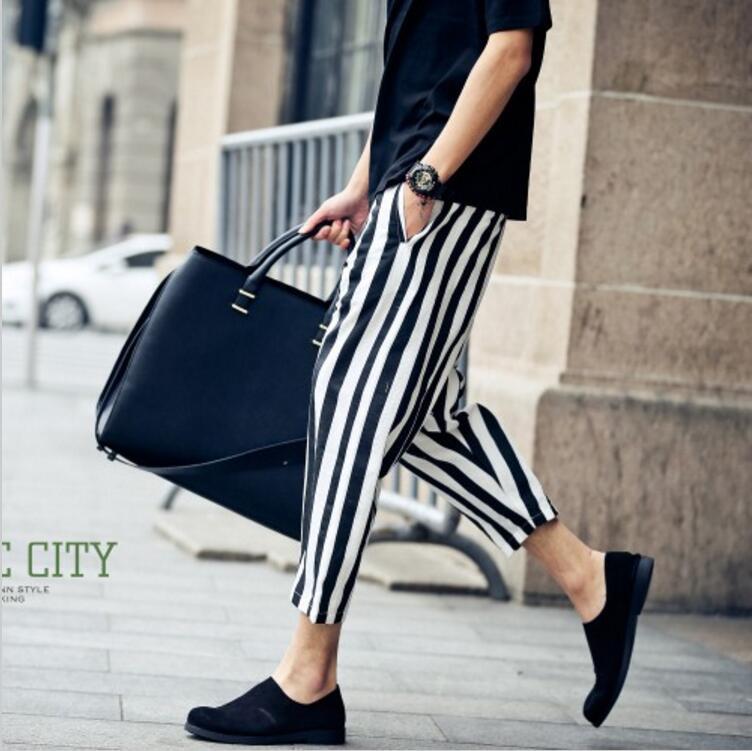 2017 Neue Männer Bekleidung Fashion Stylist Schwarz Weiß Streifen Knöchellängenhose Persönlichkeit Pluderhosen Sängerin Kostüme