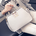 2017 New Handbag Sweet Doctor Bag Simple Fashion Bunny Ears Handbag Shoulder Diagonal Package