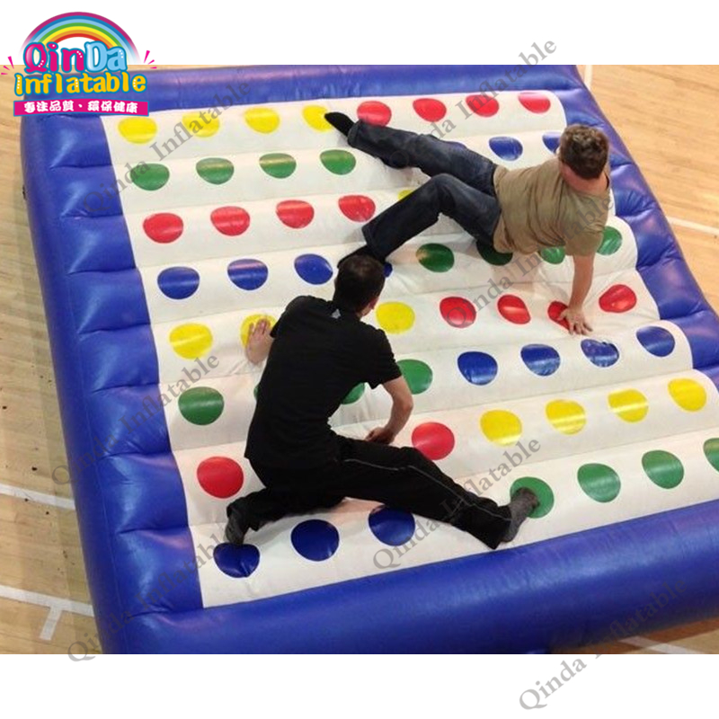 Multi Person Games 5*5m Twister Game Inflatable Twister Mat Human Twister Game For Playground 5 5m inflatable twister funny games 0 5mm pvc inflatable twister mattress with free air blower