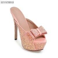 حذاء امرأة جديدة 2018 الصيف أنيقة عالية الكعب 14 سنتيمتر لامعة بلينغ الزجاج شبشب الأحذية الثقيلة القاع الصنادل و النعال