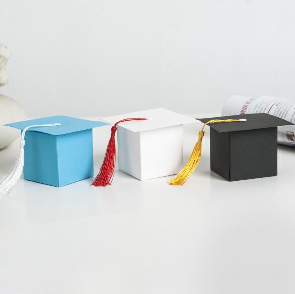 100pcs European creative new celebration bachelor hat packaging box Graduation party wedding candy size6x6x6cm