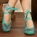 2017 Fashion Brands Old Peking Butterfly Embroidery Women Shoes Chinese Style Flats Mary Janes Casual Soft Sole Dance Shoes