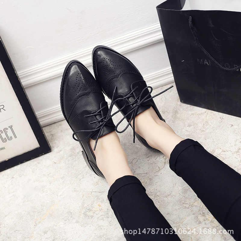 2019 Yeni İngiliz Oxford Ayakkabı Kadın dantel-up Oyma Bullock Sivri Burun kayma Sürüngen Tiki Deri Derby Ayakkabı kadınlar Flats