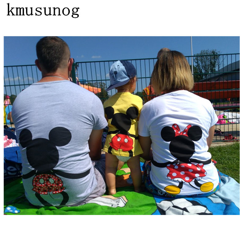 Dad and Me T-shirt 2019 Mother and Daughter Clothes Boys Girls Cartoon Mouse Cotton Top Family Matching Clothes C0201Dad and Me T-shirt 2019 Mother and Daughter Clothes Boys Girls Cartoon Mouse Cotton Top Family Matching Clothes C0201