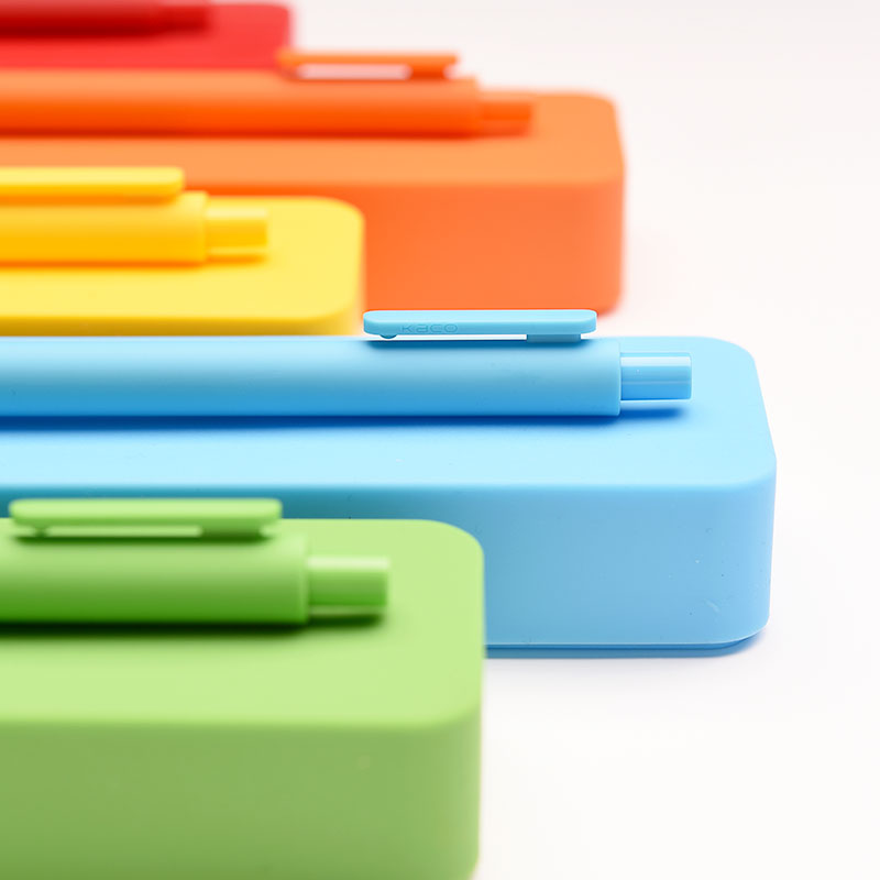 KACO Pure & Silicone Stationery Box Set (Pencil Case+1 Black Gel Pen) Storage Box Anti-static Protect Pencils цена и фото