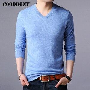 Image 4 - COODRONY suéter de cachemira grueso y cálido para hombre, ropa para hombre, suéter de lana Merino de 100%, suéter de talla grande con cuello en V, 2018