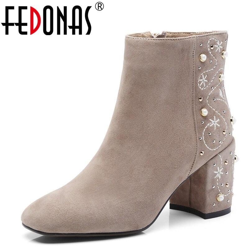 FEDONAS1Fashion النساء حذاء من الجلد جلد الغزال الخريف الشتاء الدافئة عالية الكعب أحذية امرأة بلينغ جودة حزب حفلة موسيقية الرقص مضخات-في أحذية الكاحل من أحذية على  مجموعة 1