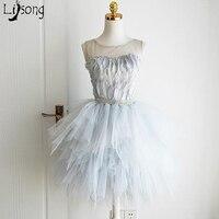 Màu xám Xanh Thống Feather Bóng Gown Puffy Tầng Custom Made Strapless Girl Prom Dresses Đảng Sinh Nhật Ngắn Trang Phục Chính Thức Gowns Đáng Yêu