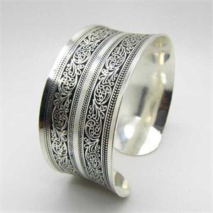 Bohemian Silver Color Bangle Mawgie