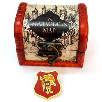 Брошки Гарри Поттер в подарочной коробке из дерева в ассортименте 1