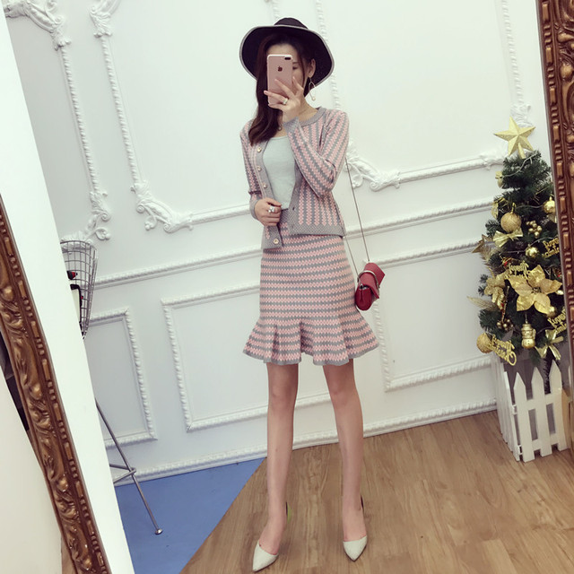 2017 Office Ladies Elegant Knit Cardigans + Step Skirt 2pcs Suits Short Slim Striped Sweater Tops and Mini Skirts Sets
