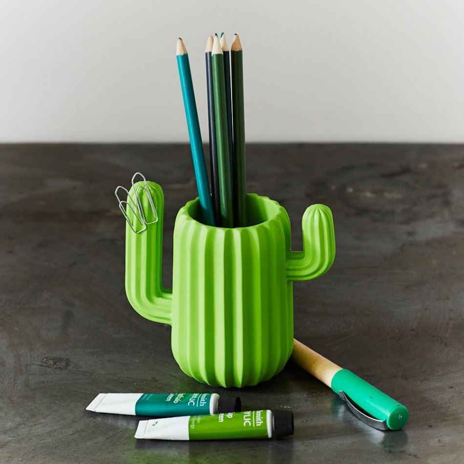 Charismatic Green Cactus Pencil Mug - Magnetic