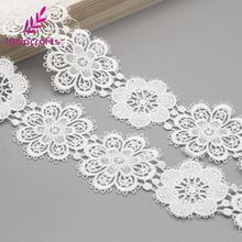 Cinta Blanca de encaje con bordado de flores para costura, accesorios hechos a mano para ropa de boda, DIY, artesanía, 1 yarda/lote, N0506